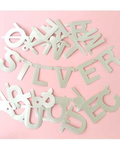 DIY Buchstabengirlande silber auf mina-lola.com von Omm Design