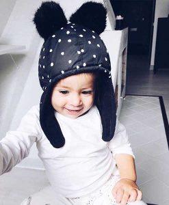 Winter Kappe mit Pommeln auf mina-lola.com von Elodie Details