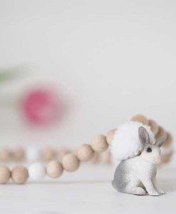 Holzkette Hase weiß-natur auf mina-lola.com von edel weiss
