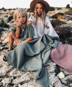 Decke AVA Brombeer von Lilli-Marleen auf www.mina-lola.com