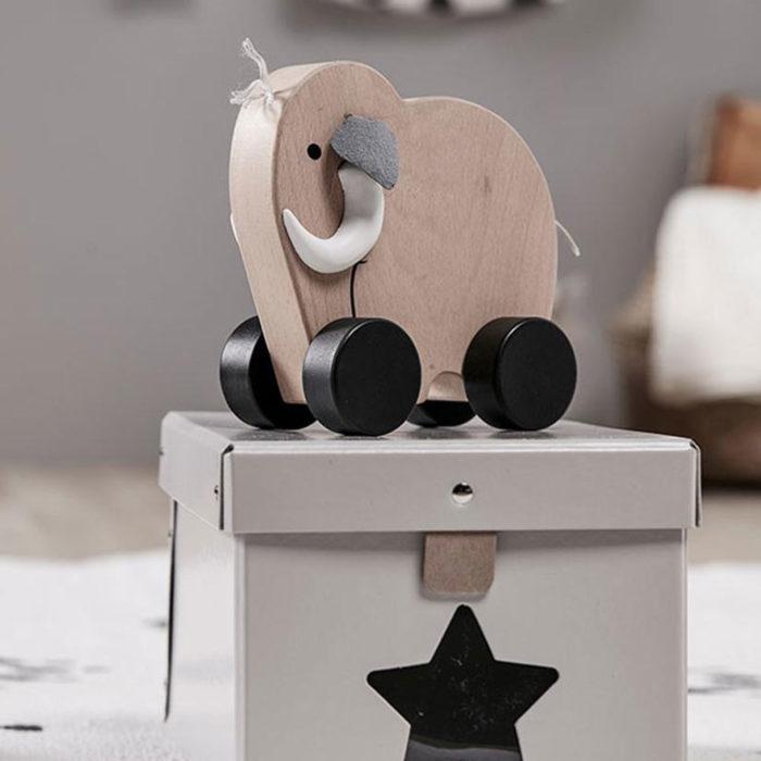 Holzspielzeug Mammut auf www.mina-lola.com von Kids Concept