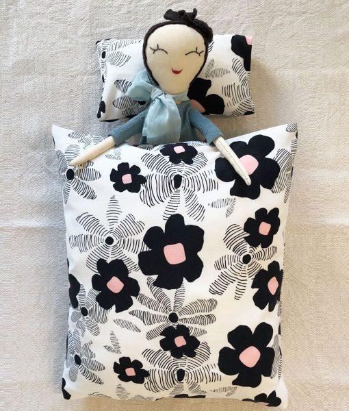 Puppenbettwäsche LAGOOM auf www.mina-lola.com von When is Now