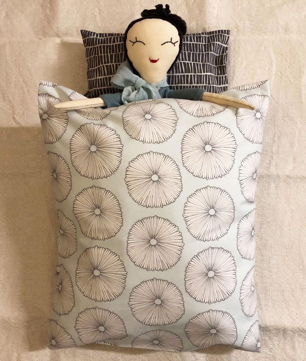 Puppenbettwäsche VARIATION von When is Now auf www.mina-lola.com