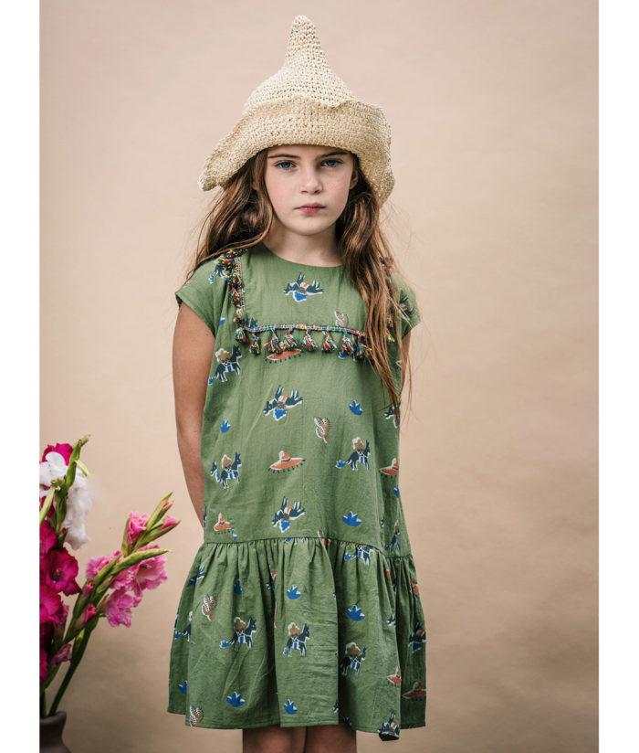 Kleid und Strohhut auf www.mina-lola.com von Wander & Wonder
