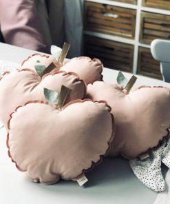 Kissen Happy Apple von Lilli-Marleen auf www.mina-lola.com