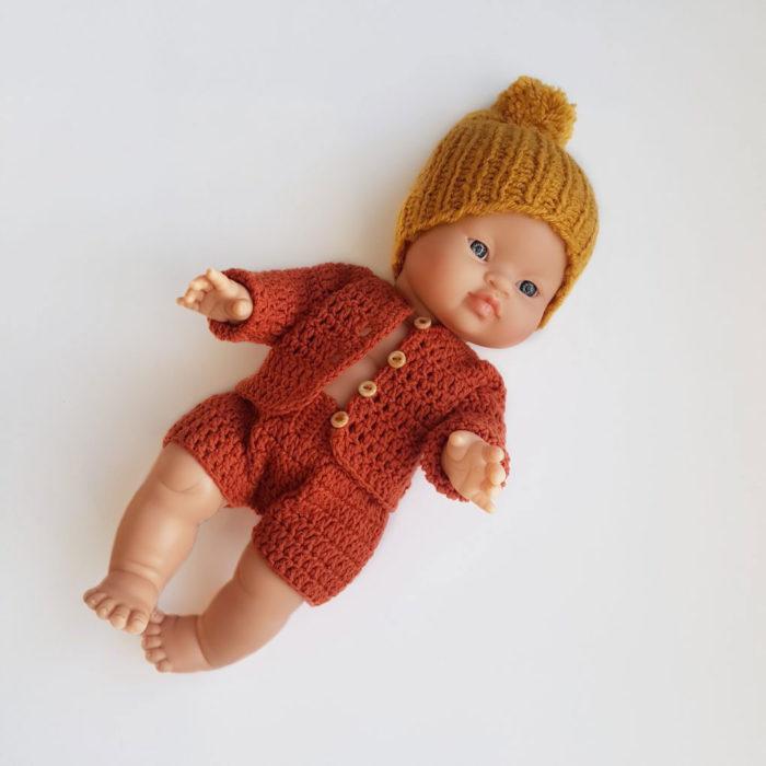 Puppenkleidung und Cardigan in red auf www.mina-lola.com von Dolls and Pupps