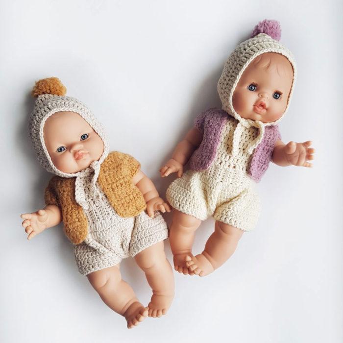 Puppenkleidung Mütze Beige mit Pommel auf www.mina-lola.com