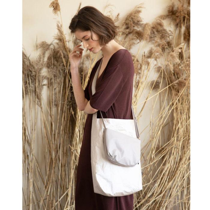 Feel Good Bag TYVEK DUSTY GOLD auf www.mina-lola.com von Tinne & Mia
