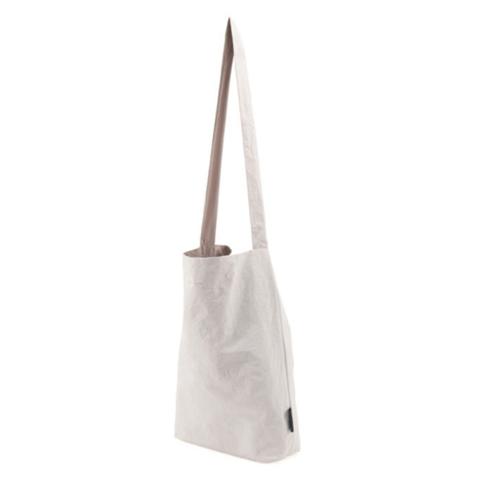 Feel Good Bag TYVEK OFF WHITE auf www.mina-lola.com von Tinne & Mia