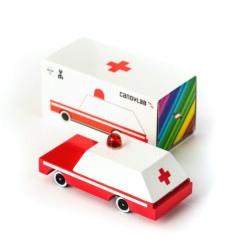 Holzspielzeugauto Candycar Ambulance von Candylab auf www.mina-lola.com